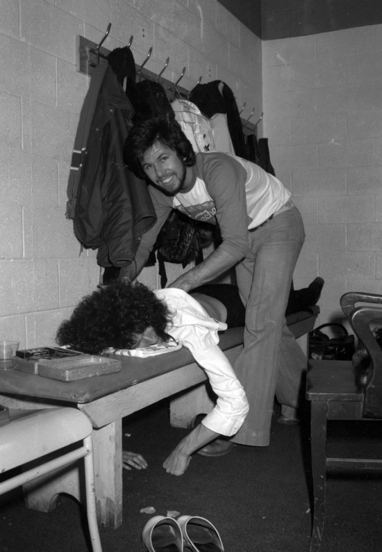 Brian May backstage at the Montreal Forum, 26th January 1977