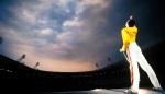 Freddie Mercury at Wembley WALLPAPER