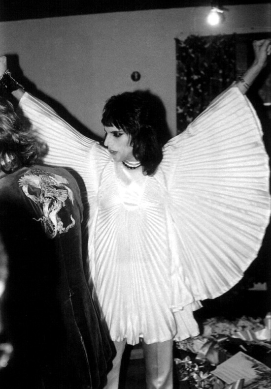 freddie-mercury-backstage-5