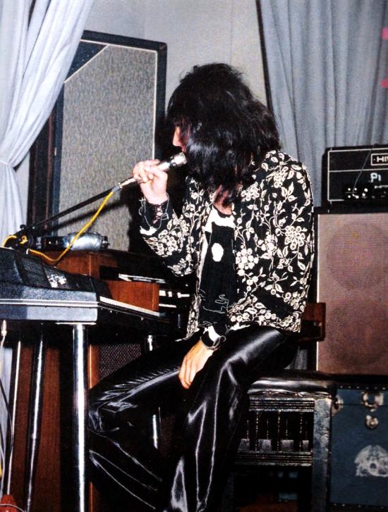 Jeden z pierwszych koncertów Queen uwieczniony na fotografii