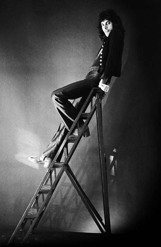 Freddie Mercury, 1974 r.; fot.: Johnny Dewe Matthews