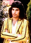 freddie-mercury-in-1975-photo-by-chris-walter1