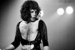 freddie-mercury-in-1975-photo-by-neil-zlozolwer-002