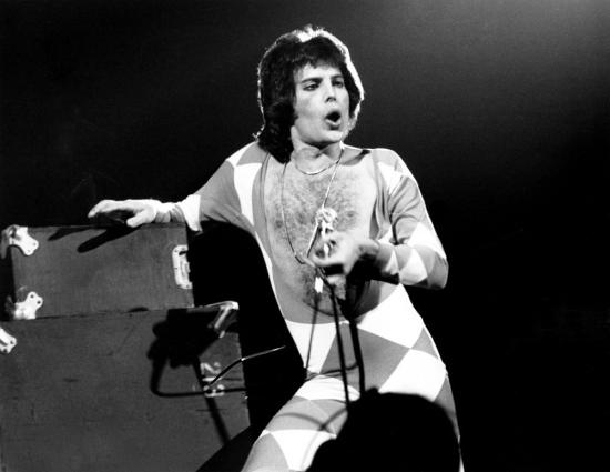 freddie-mercury-in-1977