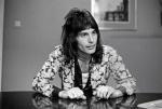 Freddie Mercury in 70's (1)