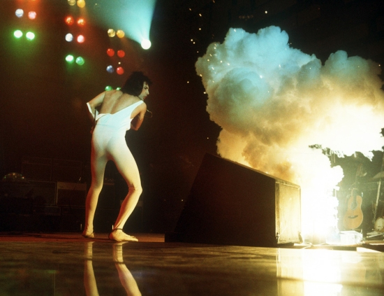 Freddie Mercury live on stage on the U.S tour in early 1977. Photo by Michael Ochs.