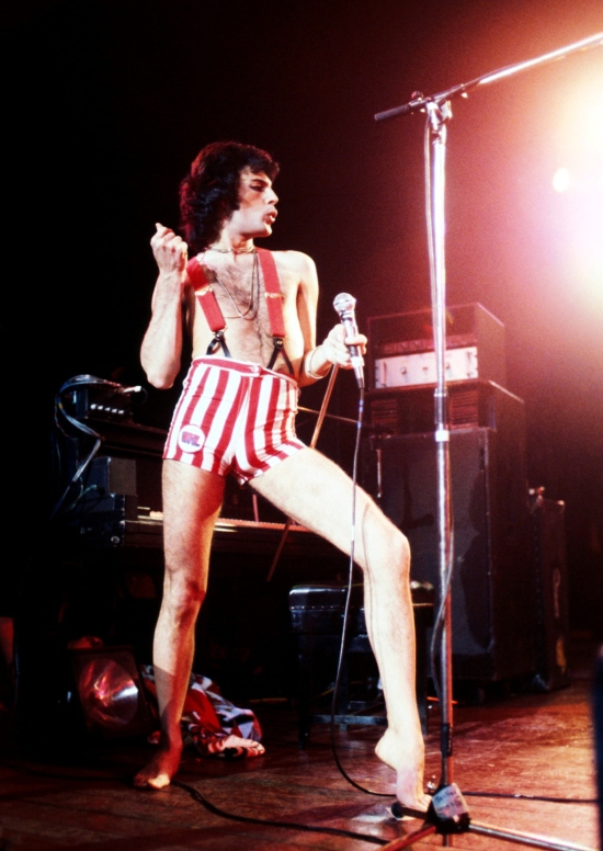 Freddie on stage at Madison Square Garden in New York City, 1977