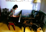 freddie-playing-the-piano