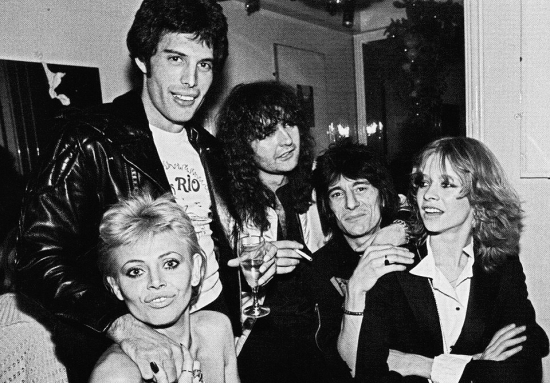 Freddie with Ronnie Wood, Jo Wood, Britt Ekland and a friend, celebrating New Years Eve at Maunkberry's club, London in 1978.
