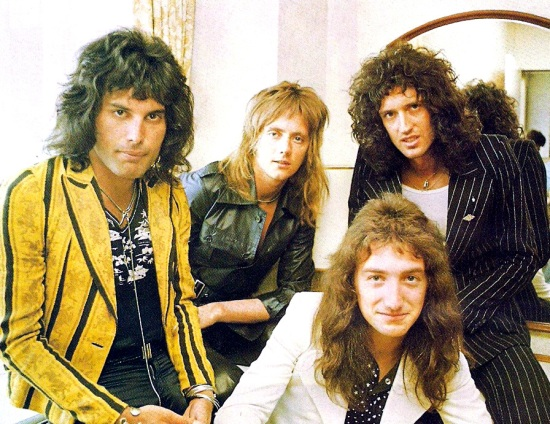 Queen Early Picture 001