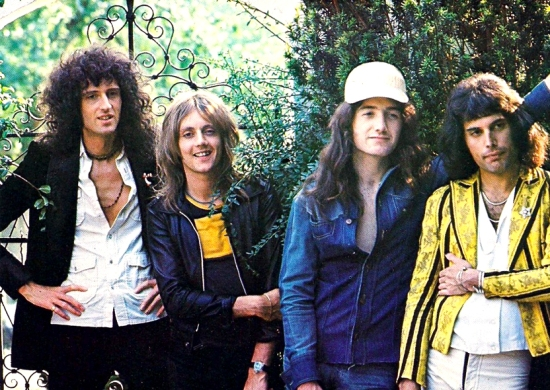 Queen Early Picture 002