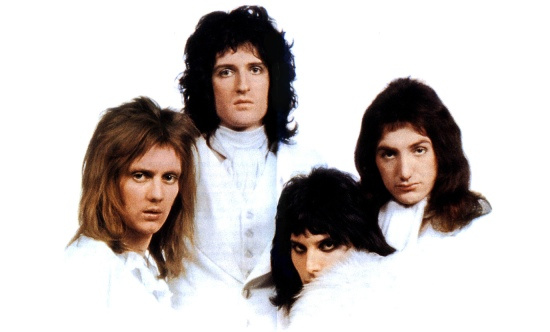 Queen II Wallpaper