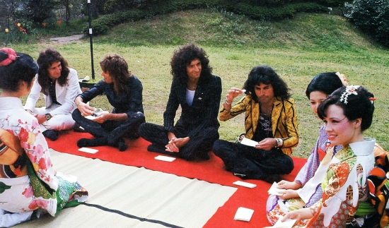 Queen in Tokyo on first tour of Japan in April 1975, photographed by Koh Hasebe.