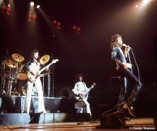Queen on stage in 70's [Photo by Chester Simpson] (2)
