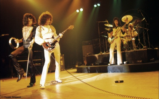 Queen on stage in 70's [Photo by Chester Simpson] (3)