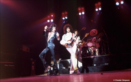 Queen on stage in 70's [Photo by Chester Simpson] (4)