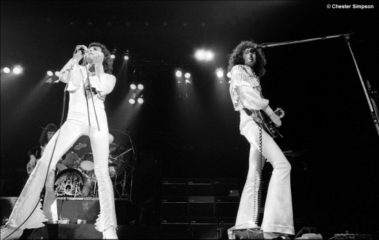 Queen on stage in 70's [Photo by Chester Simpson] (5)