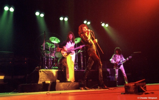 Queen on stage in 70's [Photo by Chester Simpson] (8)