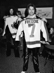 Queen receive ice hockey shirts whilst performing at the Montreal Forum, 26th January 1977