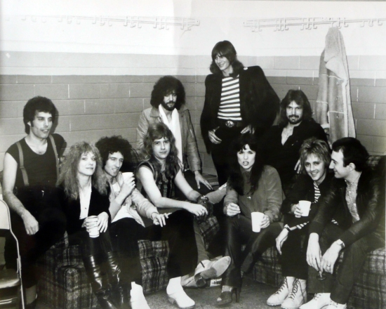 Queen with 'Heart' in backstage after the show (Checkerdome, St. Louis - USA, Nov 23, 1978)