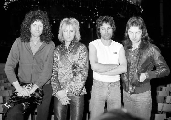 Music -  Queen - 1977