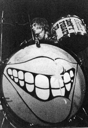 Logo Smile, które bardzo przypadło do gustu Paulowi McCartneyowi :)