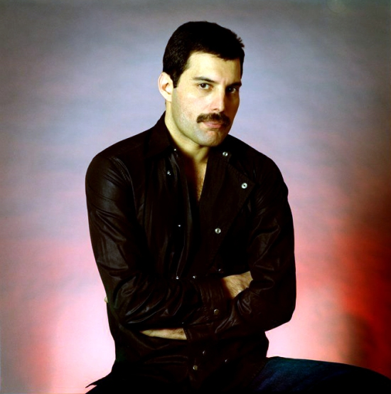 freddie-circa-hot-space-1982