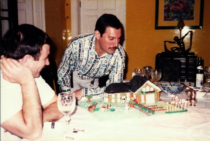 Freddie Mercury and Jim Hutton Source 2