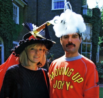 freddie-mercury-and-mary-austin-in-1986