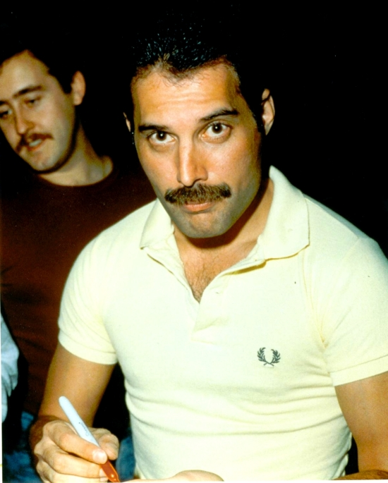 freddie-mercury-and-peter-freestone1