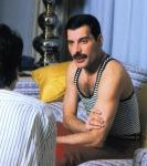 Freddie Mercury being interviewed in Japan in May 1985. Photo by Koh Hasebe.