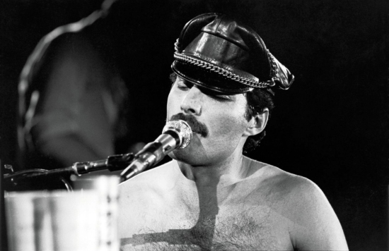 Freddie Mercury Big Photo 003