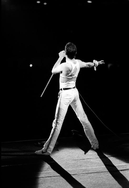 freddie-mercury-hot-space-002