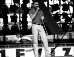 Freddie Mercury soundcheck in Budapest '86