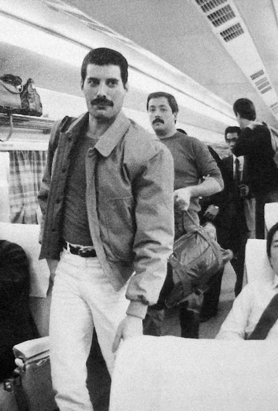 Freddie Mercury in  japanese train