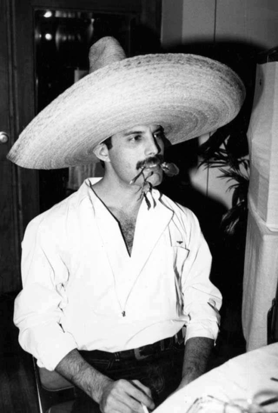 freddie-mercury-in-mexico