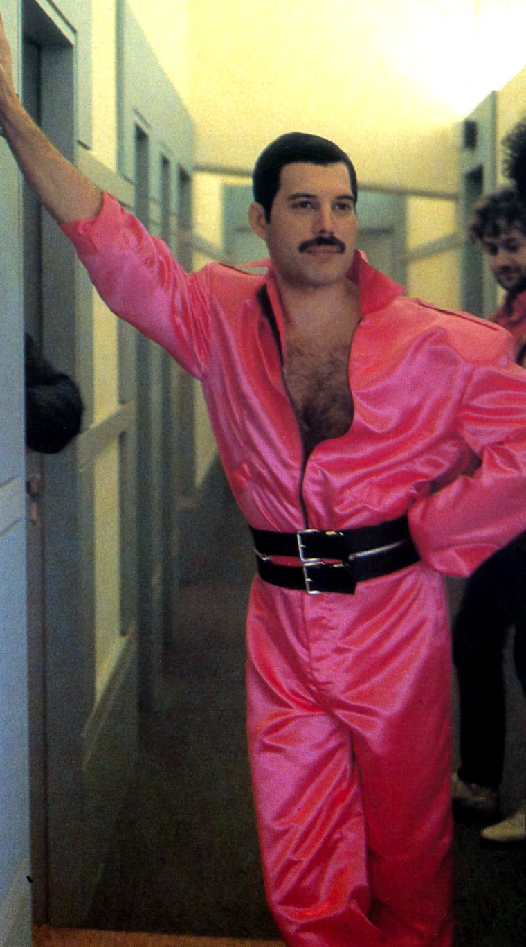 freddie mercury in pink costume queen poland. Black Bedroom Furniture Sets. Home Design Ideas