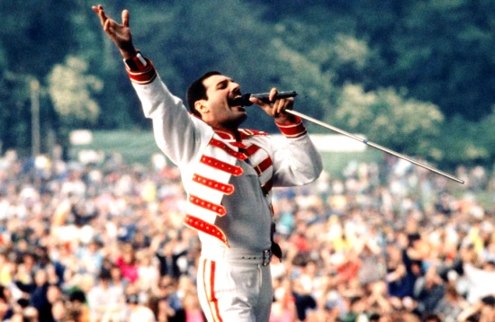 freddie-mercury-magic-tour1