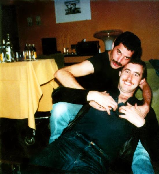 Freddie Mercury & Peter Freestone (osobisty asystent)