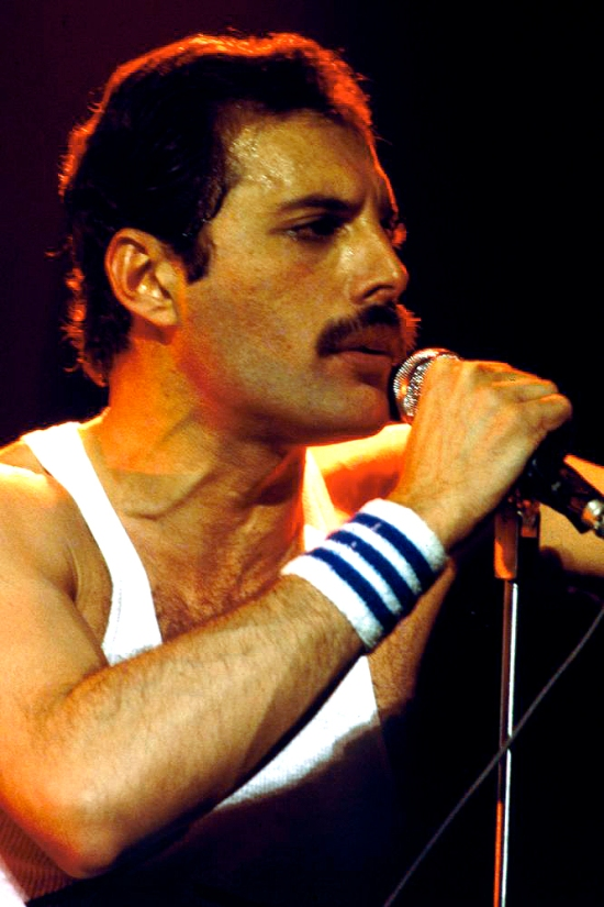 freddie-mercury-picture-667-1