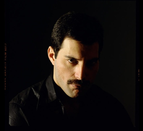freddie-mercury-picture-in-early-80s
