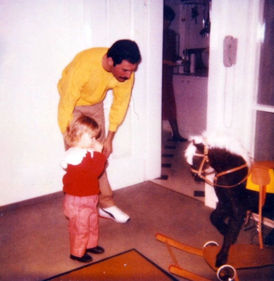 Freddie Mercury with Freddie Mack (3)