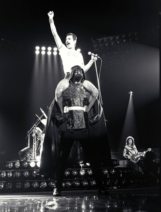 freddie-on-darth-vader2