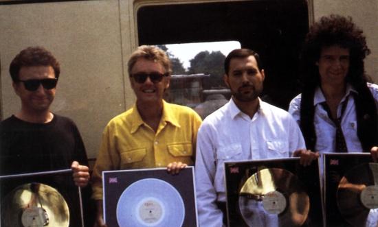 Queen pod koniec lat 80., któż wie ile utworów z tego okresu nadal leży w archiwum…