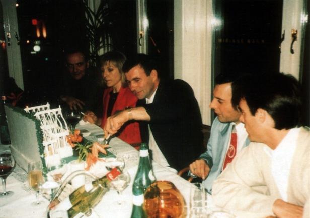 freddie-mercury-and-mary-austin-on-jim-hutton_s-birthday-party