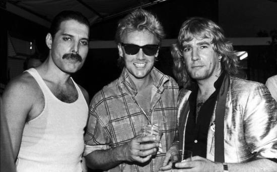 Freddie, Roger & Rick Parfitt (Live Aid backstage)