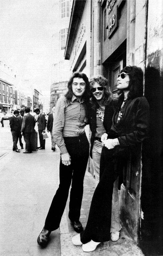 Queen '74