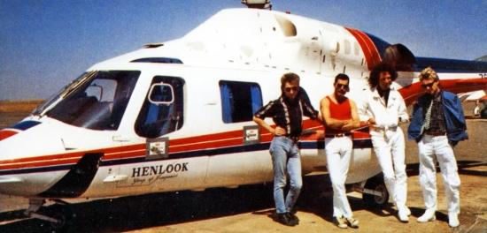 queen-helicopter