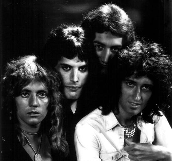 Queen in 1974 (2)