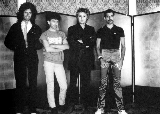 queen-in-80s
